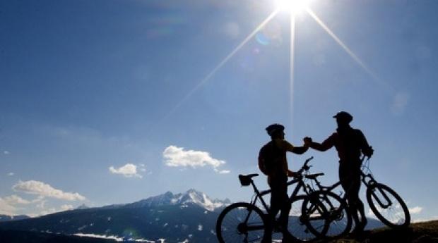 Radfahrer. Motorrad, Sport, Bergsteigen